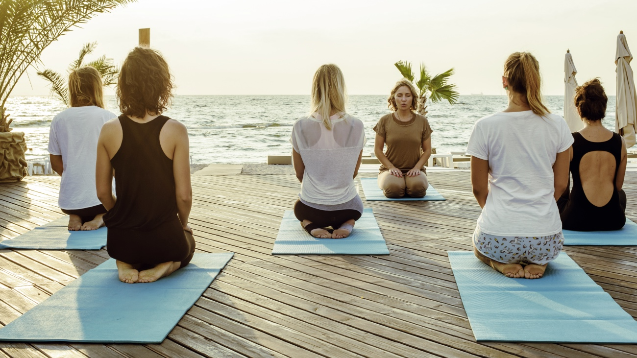 What is a Specialist Yoga Course?